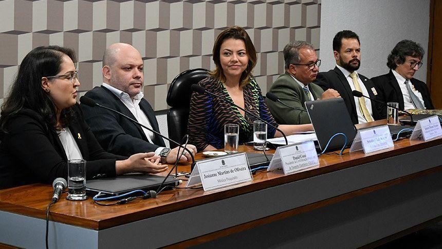 Dra. Josianne Martins de Oliveira senado